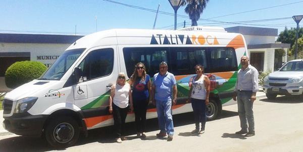 La Municipalidad de Ataliva Roca adquirió una combi nueva.