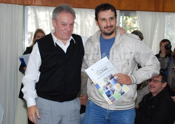 El ministro de Desarrollo Territorial Martín Borthiry encabezó un nuevo acto de entrega de créditos a emprendedores