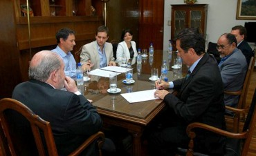 El gobernador Carlos Verna y la Asociación Pampeana de Anestesia