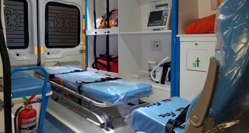 Entrega de Ambulancia para Guatraché