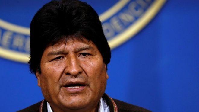 Evo Morales renunció a su cargo