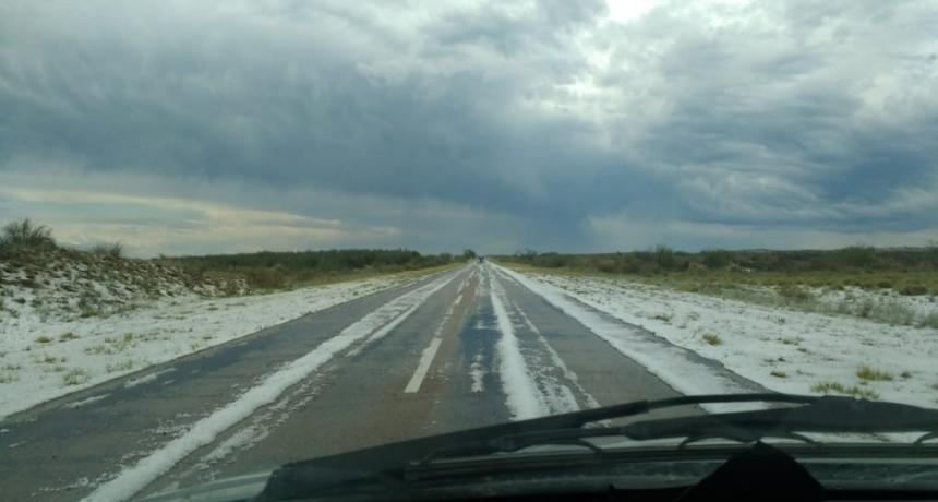 Entre Santa Isabel y Victorica hubo lluvia y mucho granizo
