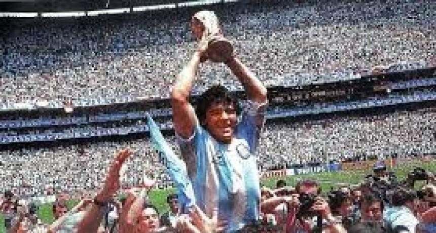 La historia del inesperado final del Balón de Oro que Diego Maradona ganó en 1986