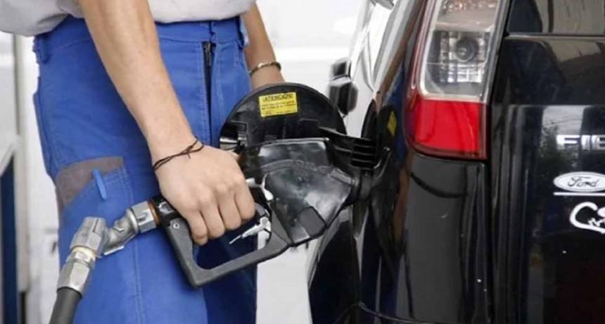 YPF suspendió el aumento del 5% en el precio de los combustibles